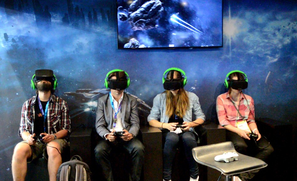 eve-valkyrie-playing-group-948x580